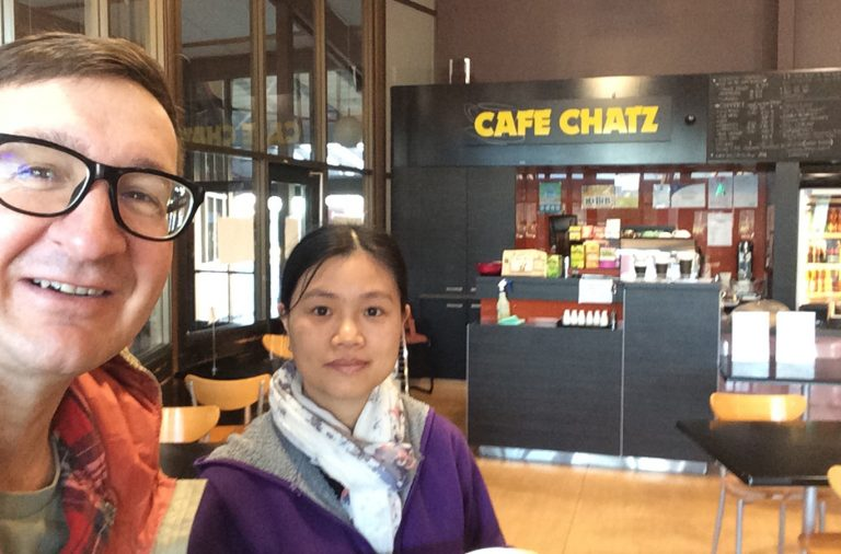 Manurewa Baptist Church senior pastor with cafe owner